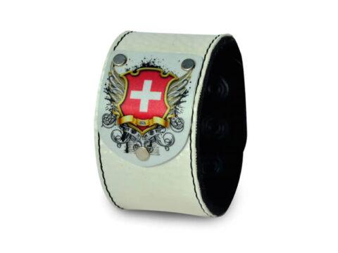Weisses Armband mit Schweizer Wappen