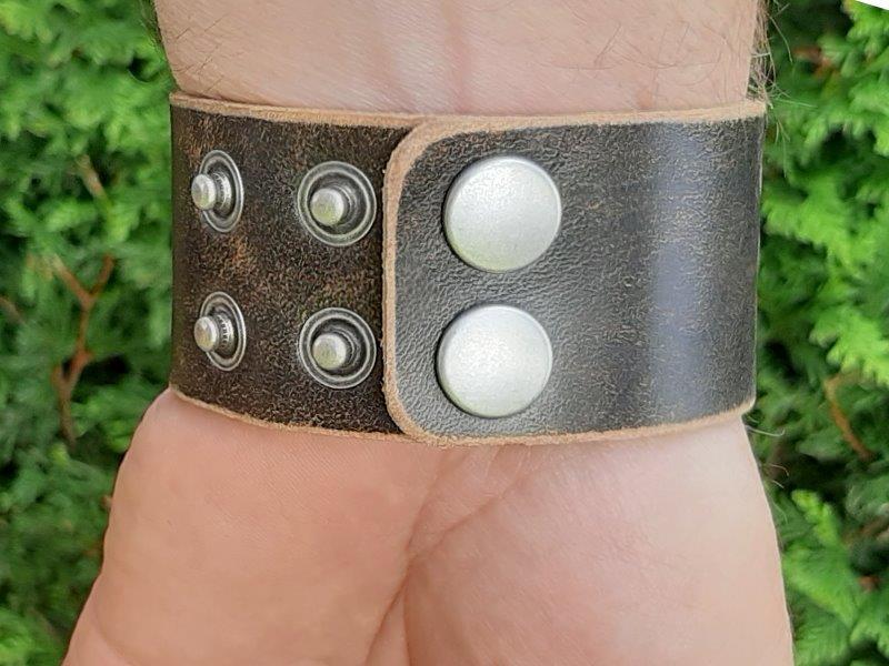 Armband aus Leder mit Freistaat Bayern Lederprägung
