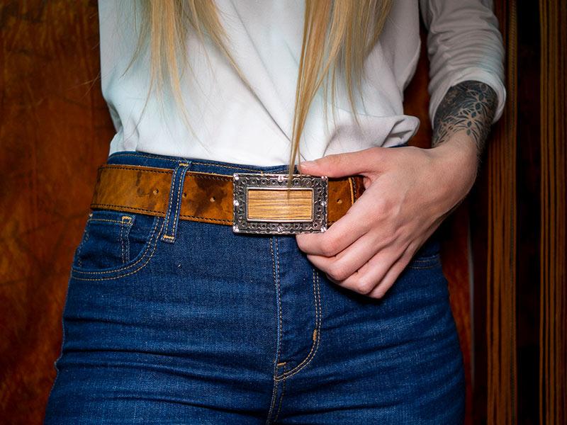 Damengürtel Safron Strass Fotoshooting