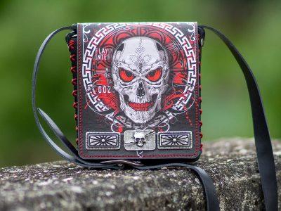 Ledertasche Gothic Blaze mit Totenkopf Skull